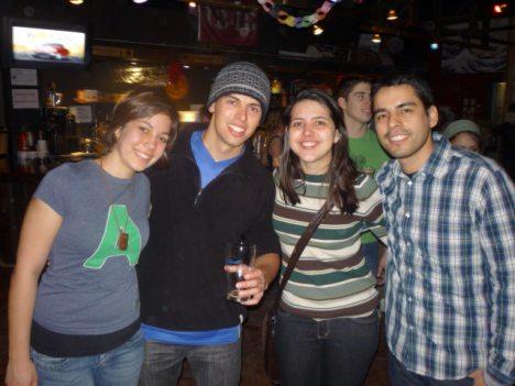 Angela (Canadá), Estevão e eu (Brasil) e Fabián (México)